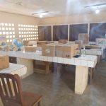 Un laboratoire scolaire équipé